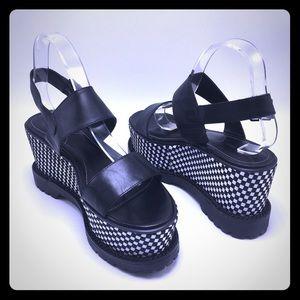 Kendall & Kylie Platform Sandals Size 9